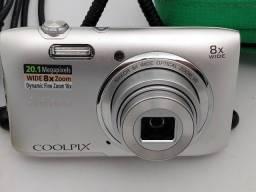 Máquina fotográfica digital Nikon 20,1 megapixels + acessórios