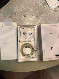 iPhone 8 Plus- 64 gigas
