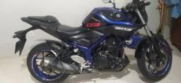 Moto MT-03