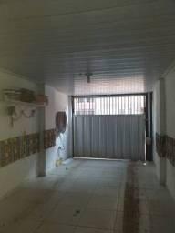 Divino - Casa 2 Quartos localizado em Pero Vaz com Garagem e Frente de Rua