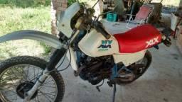 Moto XLX 250 - Ano: 1990. R$5.000,00
