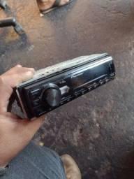 Vendo auto rádio da Pioneer top funcionando tudo perfeito $150 ZAP *