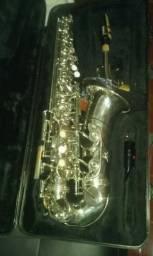 Saxofone barato