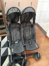 Carrinho bebê gêmeos