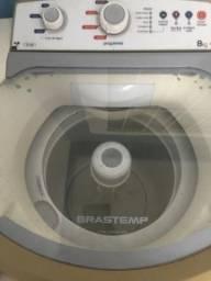 Máquina de lavar roupas marca Brastemp 8kg em ótimo estado