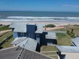 Sobrado com 4 dormitórios à venda, 223 m² por r$ 750.000 - cambiju - itapoá/sc
