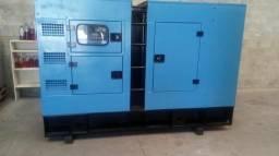 Grupo gerador de energia carenado 100 kva motor perkins