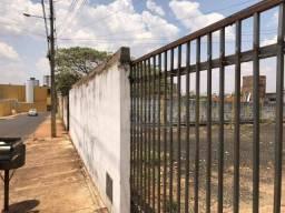 Casa com 2 dormitórios para alugar, 1 m² por R$ 800/mês - Jardim Presidente - Rio Verde/GO