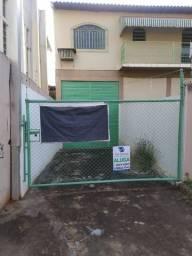 Alugo Barracão de 330mts² área útil - Vila Casoni