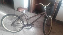 Bicicleta retro pouco usada