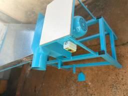 Máquina para Enchimento de Travesseiros e Almofadas