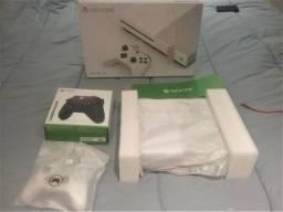Xbox One S Go com controle original e controle Series S/X