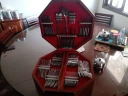 Lindo faqueiro Tramontina com 130 peças