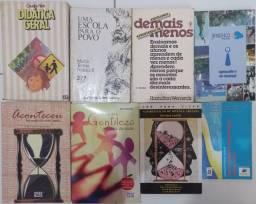 8 livros da área da Educação.