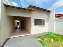 Belíssima casa a venda com ótima localização