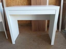 Título do anúncio: Mesa/escrivaninha/multiuso com uma gaveta fora a fora