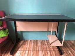 Mesa de computador(escrivaninha)semi nova.Aceito ofertas!