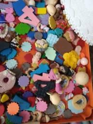 Retalhos de biscut , lembrancinha, massa fria ,artesanato