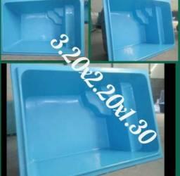 Picina de fibra 3.20x2.20x1.30 branca ou azul
