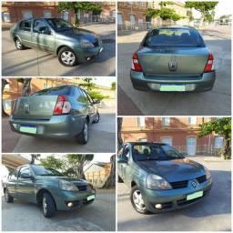 Renault Clio sedan 1.6 16v privilege