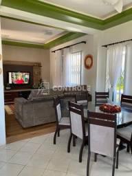 (AN) Casa ampla, semi mobiliada, aconchegante, bem localizada.
