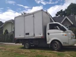 Precisando de transporte para móveis e mudança? Ligue já