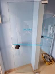 Porta de vidro com chave