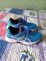 Vendo 3 pares de sapato semi novo n 35
