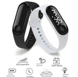 (NOVO) Relogio digital Display de LED pulseira PRETA/BRANCA