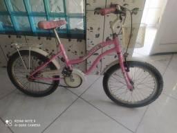 Bicicleta feminina infantil até dez anos