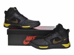Vendo Tênis Nike Air Jordan 4 ( 140 com entrega)