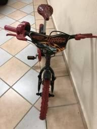 Vendo bicicleta Hot Whells aro 16