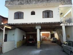 Barracão e apartamentos