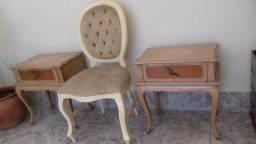 Criados mudos e cadeira medalhão