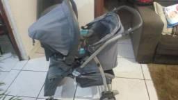 Carrinho Burigotto com bebê conforto