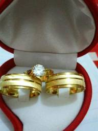 Alianças Infinity aço inoxidável banhadas a 9 milésimo de ouro 18k