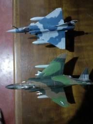 Aviões de guerra miniaturas