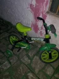 Bicicleta infantil verde