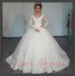 8bdbb19e4 Vestido De Noiva Princesa Renda Com Mantilha Melissas Importado Pronta  Entrega