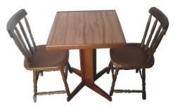 Mesas e cadeiras de madeira country