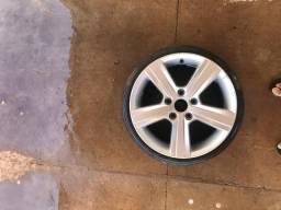 Roda com pneu aro 16 (Roda original Golf TSI)
