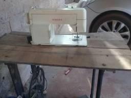 Máquina de costura boa Leia á descrição