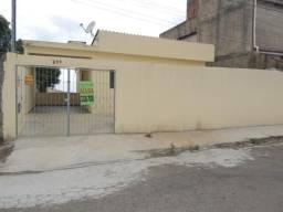 Casa com 3 dormitórios para alugar, 63 m² por R$ 750,00/mês - Santos Dumont - Juiz de Fora
