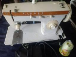 Maquina de costura Singer Zig Zag