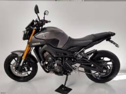 Yamaha - MT 09 Cinza<br>2017