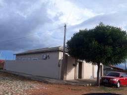 Casa a venda na cidade de Russas Ceará