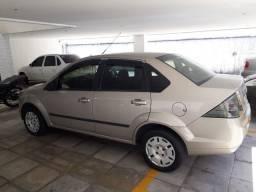Ford Fiesta sedã 2014 novinho!