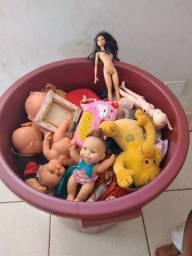 Balde grande cheio de brinquedos 160