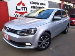 VW Voyage TrendLine 1.6 4P Completo 14/15 Prata
