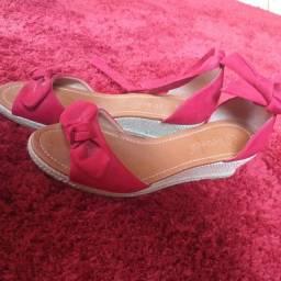 Sandália tamanho 37 e 35